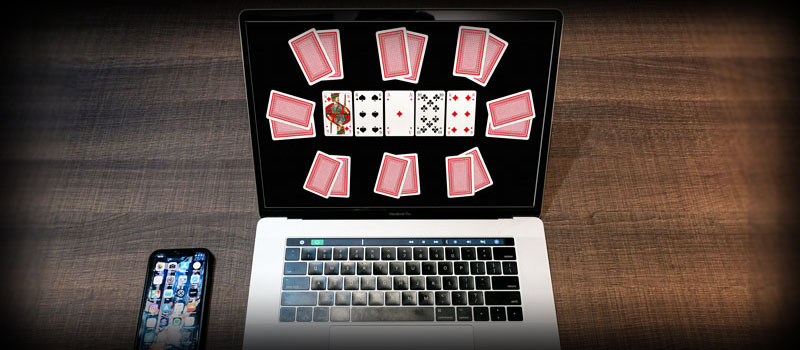Poker Tournament on laptop